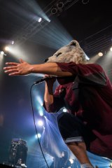 イギリス最大のロックフェス出演が決まったMAN WITH A MISSION(写真は17日=大阪・Zepp Namba公演)