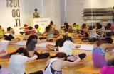 『NIKE WOMAN'S STUDIO』でトレーニングを受ける参加者たち(写真:榑林史章)