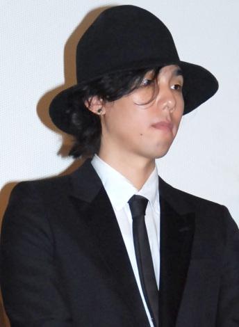 映画『トイレのピエタ』の舞台あいさつに出席したRADWIMPSの野田洋次郎