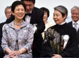 試写会で高円宮妃殿下(左)と談笑する樹木希林(C)ORICON NewS inc.