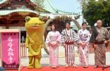 映画『極道大戦争』公開直前イベントに出席した(左から)KAERUくん、成海璃子、市原隼人、高島礼子、三池崇史監督 (C)ORICON NewS inc.