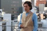 北川景子演じる主人公・玲奈が入所する探偵事務所の社長役で井浦新が出演