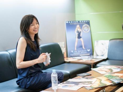 マライア・キャリーのベスト盤CMのナレーションを担当した山口智子