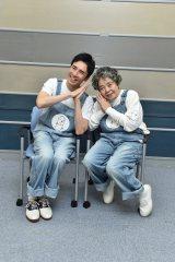 36年ぶりのデュエットを披露した(左から)郷ひろみ、樹木希林 (C)TBS
