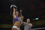 WWE日本公演 ディーバ王座戦トリプルスレットマッチ ペイジ vs. ニッキー・ベラ(ディーバ王者) vs. タミーナ (C)2015 WWE, Inc. All Rights Reserved.