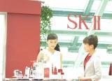 SK-II新CM発表会に登場した綾瀬はるか SK-II「天空の美肌チェンジカウンター」で新商品RNAパワーを体験 (C)oricon ME inc.