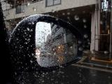 """大雨が予想される台風時、車の運転をする場合は""""側溝""""に注意!"""