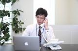 電話で使える英語表現(2) 「取り次ぎ」&「不在時の受け答え」
