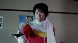 """勝てないヒーロー""""ケインジャー""""役に扮したケイン・コスギ"""