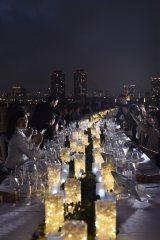 本場オーストラリア料理とワインを堪能するロングテーブル