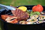 バーベキューの道具や食材もすべて完備 海外で話題の「グランピング」が日本でも広がりを見せている(写真提供:伊勢志摩エバーグレイズ)
