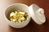 漬ける野菜&調味液次第でさまざまな味が楽しめる浅漬け。カブやニンジンを使って彩り豊かに(写真:メイダイ社)