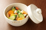 漬ける野菜&調味液次第でさまざまな味が楽しめる浅漬け。キュウリを使った定番レシピ(写真:メイダイ社)