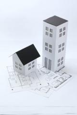 「民間住宅ローン」と「フラット35」の違いと特徴を比較