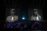 M17「明日は明日の君が生まれる」を歌う(左から)高橋みなみ、指原莉乃〜『AKB48真夏の単独コンサート in さいたまスーパーアリーナ〜川栄さんのことが好きでした〜』初日公演(C)AKS