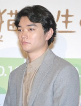 """イッセー尾形の""""口撃""""にタジタジになった染谷将太 (C)ORICON NewS inc."""