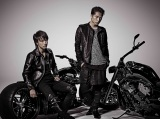 EXILE TRIBEが総出演する映画『HiGH&LOW 〜THE STORY OF S.W.O.R.D.〜』の制作が決定。(左から)TAKAHIRO、登坂広臣は雨宮兄弟を演じる (C)HiGH&LOW製作委員会