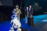 ジョージ・ルーカスに『ディズニー・レジェンド』の称号。『スター・ウォーズ』の人気ドロイド、R2-D2、C-3POも祝福