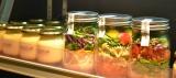 R18のオシャレな大人向け新施設『Hailey'5 Cafe(ハイリーファイブ カフェ)』(東京・池袋)では、約40種類のメニューを用意