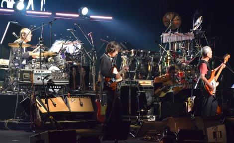 『風街レジェンド2015』初日公演で久々に共演した(左から)松本隆、鈴木茂、細野晴臣 (C)ORICON NewS inc.