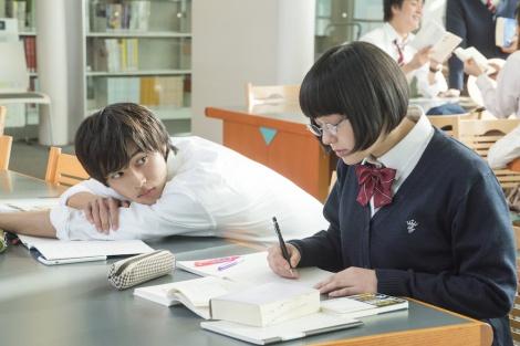 勉強する利太と安達さん
