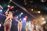 AKB48チームAの「恋愛禁止条例」千秋楽公演(C)AKS