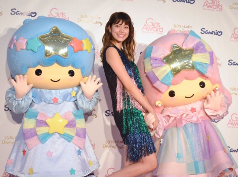 森星とキキ&ララ(C)1976, 2015 SANRIO CO.,LTD.(C)oricon ME inc.