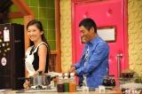 篠原涼子の人妻の色香に明石家さんまはメロメロ。関西テレビ『さんまのまんま』9月5日放送(フジテレビは9月6日放送)(C)関西テレビ