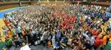 「大勢で(けん玉の技である)とめけんを成功させる」というギネス世界記録に挑戦し、568人が成功したビームス運動会の様子