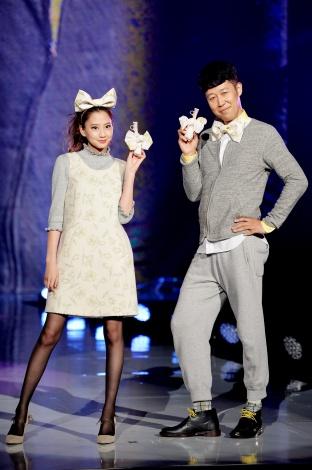 『神コレ2015AW』ランウェイを飾った河北麻友子と小籔千豊