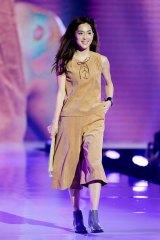 『神コレ2015AW』ランウェイを飾った中村アン