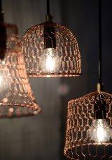 温かみを感じさせる『金網つじ』のランプシェード