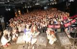 SCANDALが花冠をドレスコードにした女性限定ライブを開催