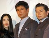 (左から)映画『天空の蜂』初日舞台あいさつに出席した仲間由紀恵、江口洋介、本木雅弘 (C)ORICON NewS inc.