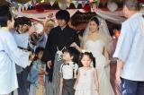 能登編オールキャストに囲まれる希と圭太の結婚式 (C)NHK