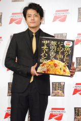 味の素冷凍食品『ザ・チャーハン』のテレビCM発表会に出席した小栗旬 (C)ORICON NewS inc.
