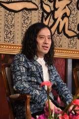 ABC・テレビ朝日系『芸能人格付けチェック』に一流芸能人として出演するピース・又吉直樹(C)ABC
