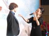 リーヴァイ・ミラーにバースデーソングを歌う松田聖子=映画『PAN〜ネバーランド、夢のはじまり〜』のジャパン・プレミア (C)ORICON NewS inc.