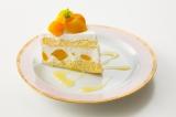 「マンゴーショート」¥490(税込) 特製生クリームにマンゴー果肉を入れスポンジケーキでサンド。上にはマンゴーそのものと生クリームが入ったマンゴー尽くしのショートケーキ