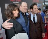 映画『アントマン』に出演するポール・ラッド(右)、エヴァンジェリン・リリー(左)とケヴィン・ファイギ氏(中央)