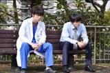 TBS『金曜ドラマ コウノドリ 命についてのすべてのこと』(毎週金曜 後10:00)の白衣男子=綾野剛