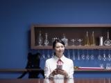 ソフトバンクの新CM『MOON RIVER』篇で元『セーラームーン』を演じる小泉今日子