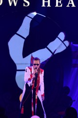 日本武道館でデビュー30周年記念公演を開催した石井竜也