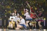 阪神タイガースの球団歌「六甲おろし」をファンと合唱したNMB48 (C)NMB48