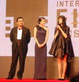 『第28回東京国際映画祭』のレッドカーペットに登場した(左から)中村義洋、竹内結子、橋本愛 (C)ORICON NewS inc.