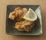 定番のおかず「からあげ」をアレンジした「レモン風味」/写真は手作り弁当のコツを伝授するレシピ本『お弁当のセカイ』(ワニブックス)より