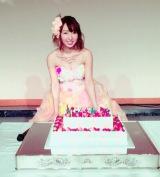 バースデーイベントで新曲発売を発表した飯田里穂