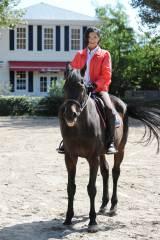 乗馬経験者らしいさすがの腕前を見せた(C)テレビ朝日