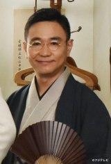 1月3日放送、フジテレビ系新春ドラマスペシャル『坊っちゃん』に出演する「野だいこ」八嶋智人