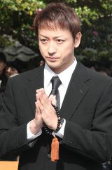 来年のNHK大河ドラマ『真田丸』石田三成役を演じる山本耕史。第415回忌法要に参加し、三成公の供養とドラマの成功を祈願した